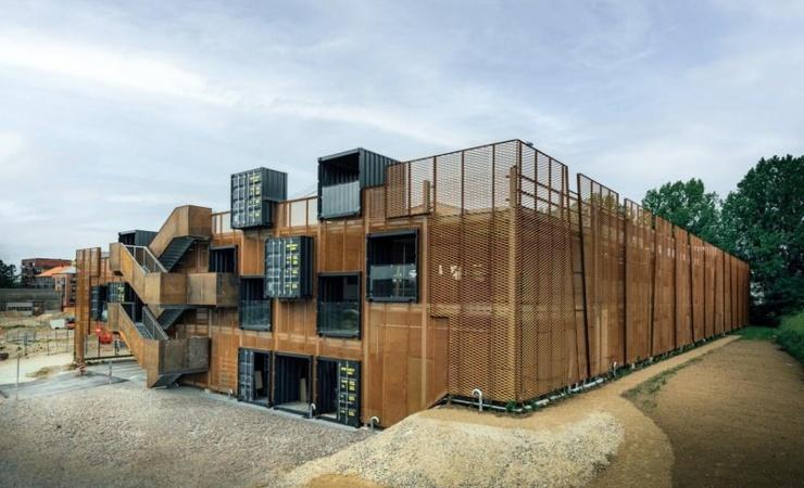 Genanvendeligt p-hus rejst i Roskilde