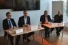 Et tilbageblik fra da parterne mødtes til de indledende forhandlinger tilbage i december. Fra venstre mod højre: Peter Stenholm (Dansk Byggeri), Lars Storr-Hansen (Dansk Byggeri), Kim Lind Larsen (3F) og Pakke Bisgaard (3F). Foto: Dan Bjerring.