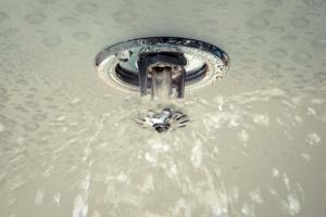 Sådan slukkes brande i bygninger uden at anvende vand