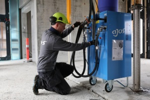 Ajos: Stor efterspørgsel på byggepladsvarme