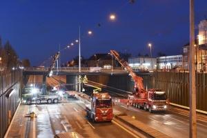Rørbro etableret over spærret motorvej