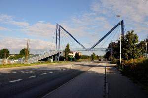 Faldefærdig skolebro lukkes