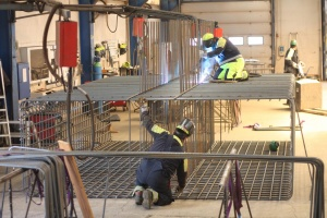 Gigantiske stålbuer hviler på specialarmering