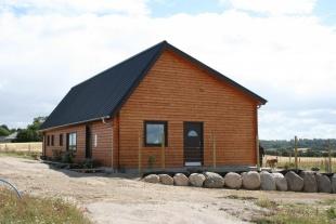 Bæredygtigt bofællesskab vælger træhuse