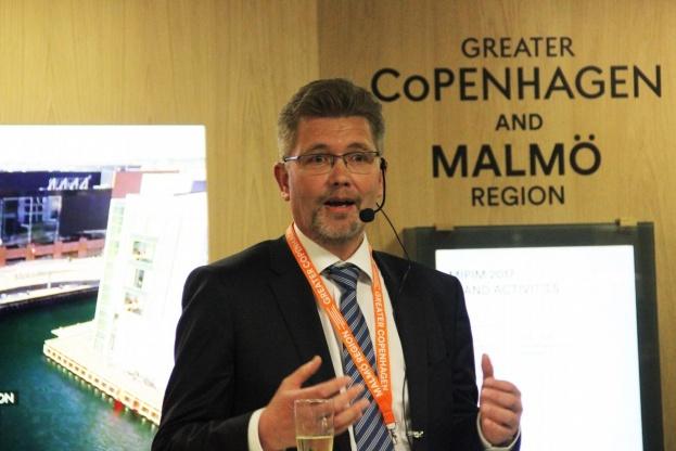 Trods et rekordhøjt antal nye boliger i disse år, så har København hvert år frem mod 2027 behov for yderligere 3.750 nye boliger, sagde overborgmester Frank Jensen, da han tirsdag eftermiddag åbnede Greater Copenhagens stand på MIPIM. Foto: Torben Jastram.