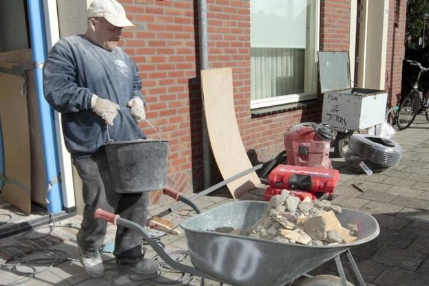 Ifølge Skatteministeriet faldt antallet af brugere af håndværkerfradraget fra 577.000 i 2015 til 383.000 sidste år. Foto: Colourbox.