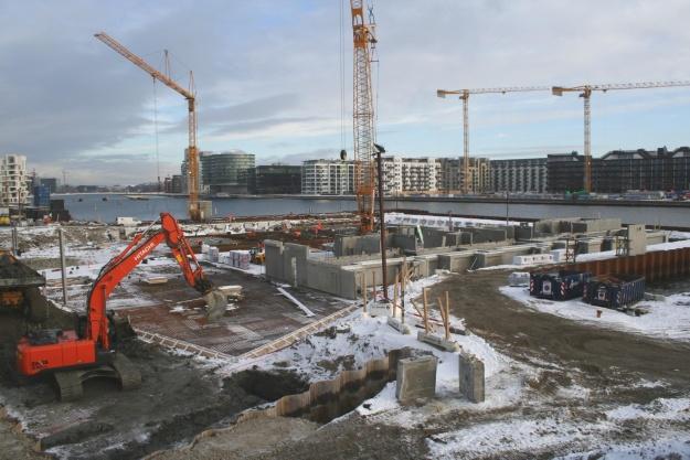 CASA, der er totalentreprenør på opgaven, har indledt elementmontagen på Kærholm.