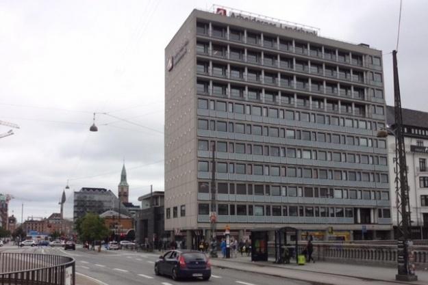 Flot vækst hos Adserballe & Knudsen
