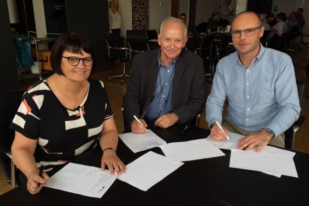 Underskrift på to nye boligområder i Viborg Baneby