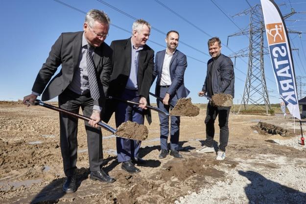 Første spadestik til en af Danmarks største byggematerialecentraler