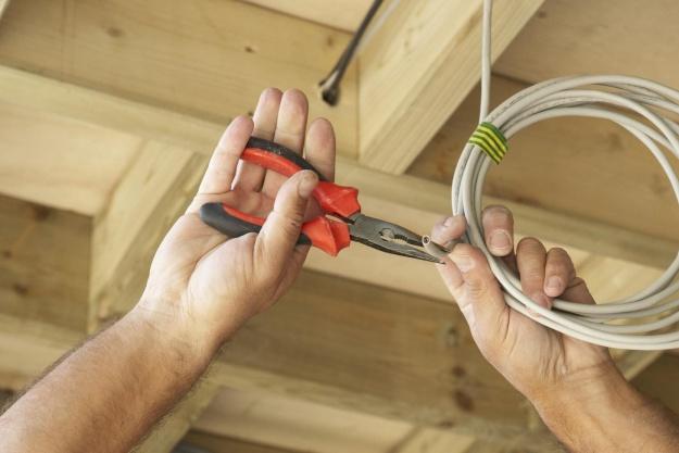 Arbejdsgivere og elektrikere indgår overenskomst