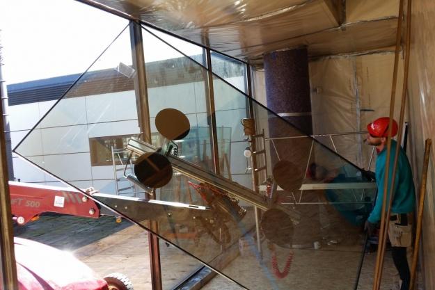 Anderledes udskiftning af glasfacade
