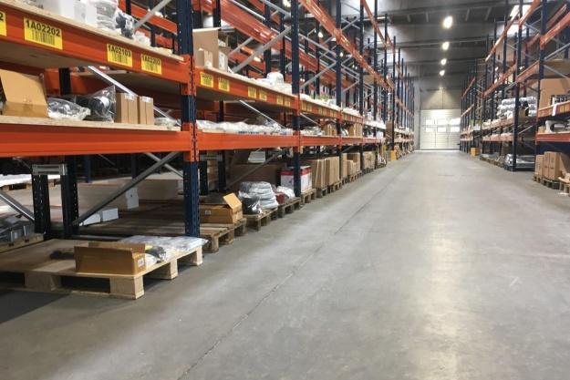 Stark åbner distributionscenter i Vejle
