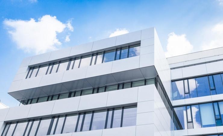Hvide solceller til facadeløsninger