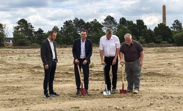Spaden i jorden til nye Sønderborg-boliger