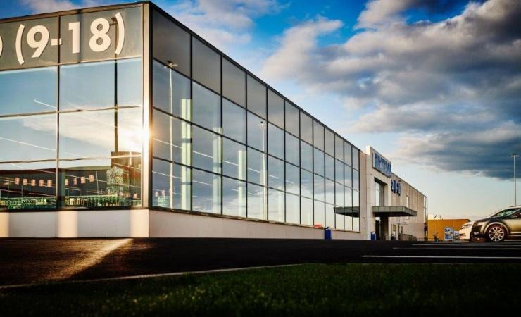 Ambitiøs kæde vil bygge to nye varehuse