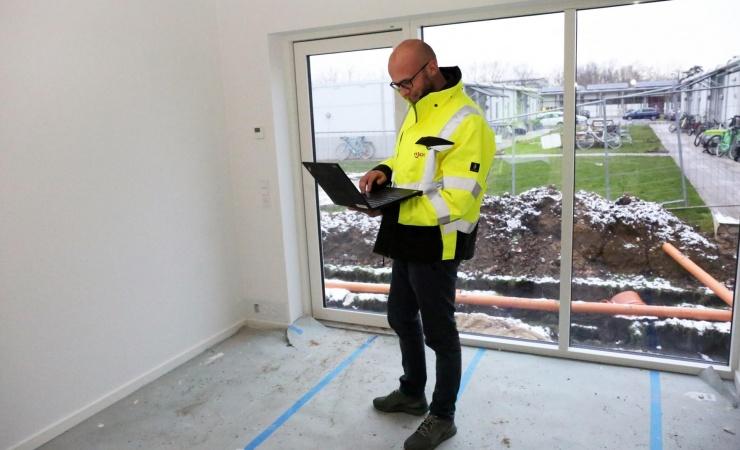 Ajos bygger flygtningepavilloner i Hørsholm