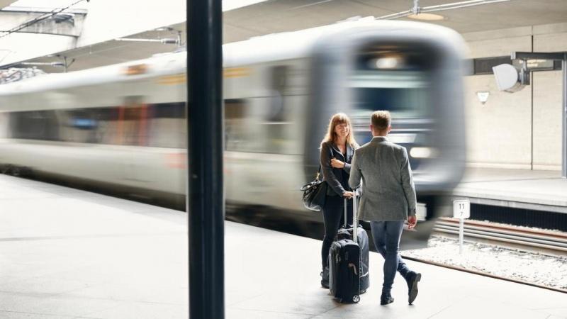 Regeringen vil betale udvidelse af togstation med parkeringshuse