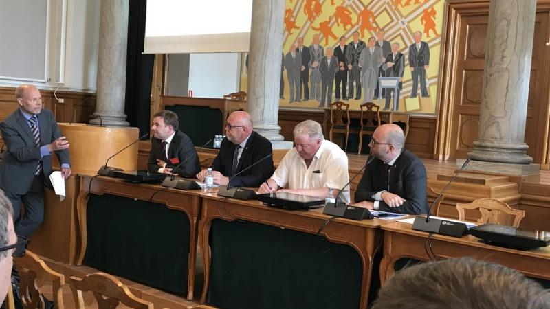 I Norge kan man tabe et valg på infrastrukturpolitik