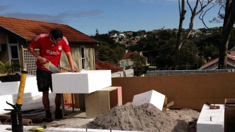 Ung aarhusianer vil sende håndværkere til Australien
