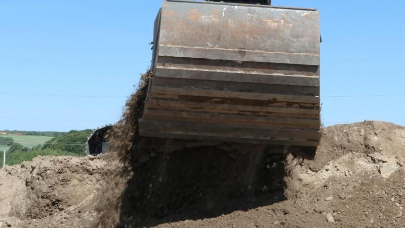 Kommune må stoppe tilkørsel af jord efter brøler