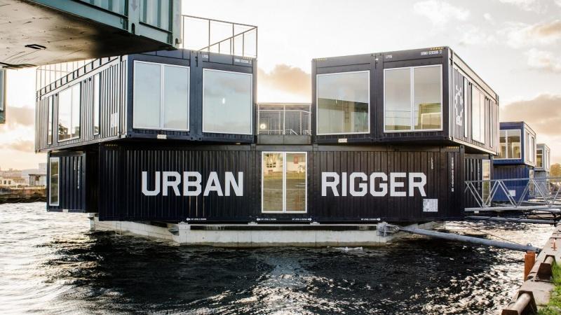 Robuste materialer holder container-boliger flydende