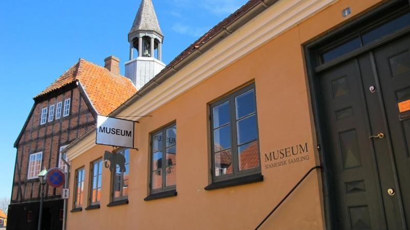 Nyt liv til Rådhuskarréen i Ebeltoft