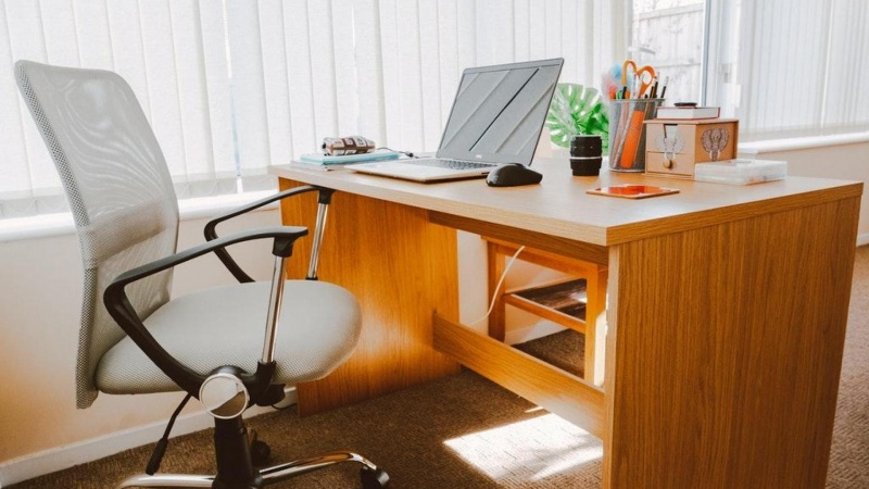 På jagt efter nye kontormøbler til virksomheden? Se udvalget af møbler fra Dencon