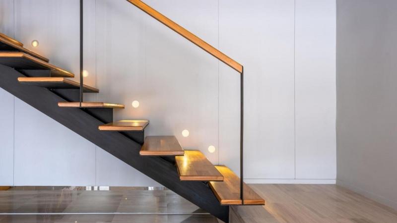 Danskerne renoverer og bygger på livet løs i denne tid: Vælg den perfekte trappe til din bolig