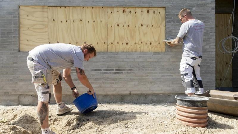 Danskernes byggelyst er vaccineret mod corona