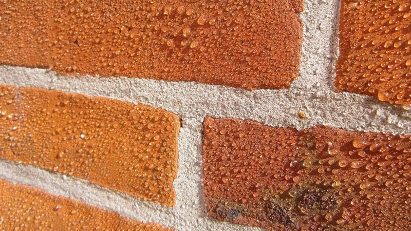 Beskyt murværket med overfladeimprægnering
