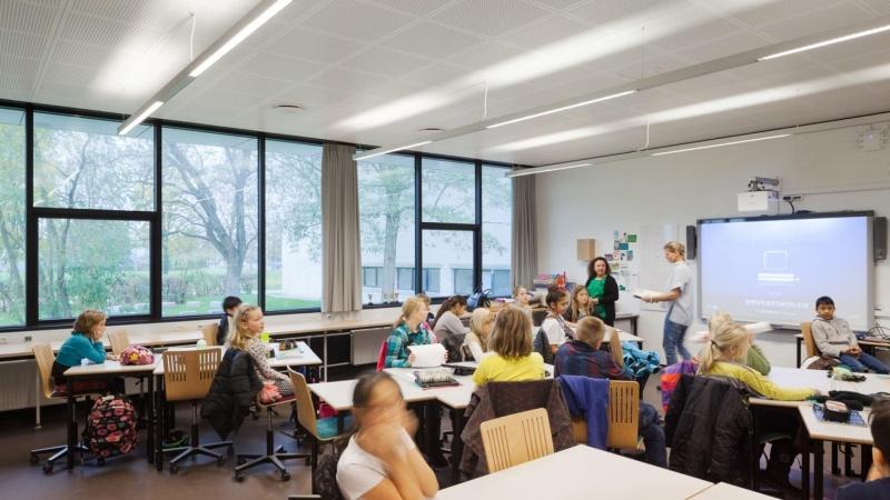 God akustik virker på lærere og elever