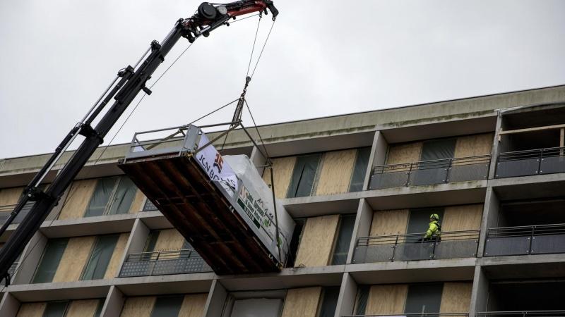 JCN kraner hele badeværelser ind på syvende etage
